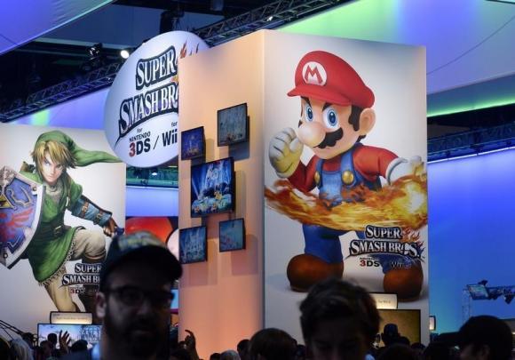Super Mario to go mobile as Nintendo ventures into smartphone games