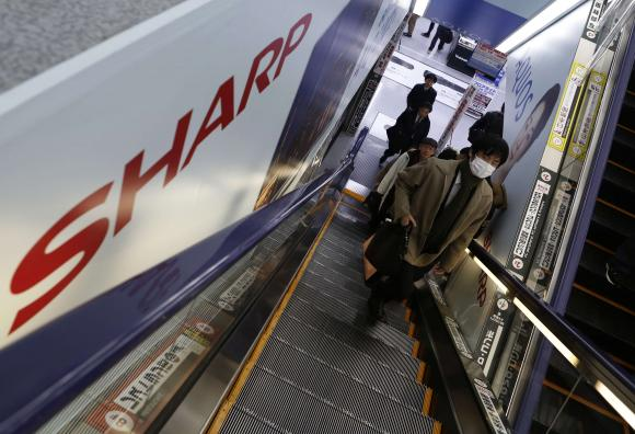 Sharp says not considering LCD spin-off as banks seek overhaul