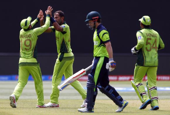 Porterfield ton takes Ireland to 237 against Pakistan in crucial World Cup match