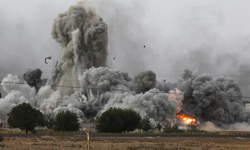 Air strike on Islamic State-run refinery in Syria kills 30: monitor