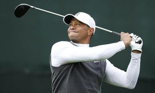 Woods drops out of world's top 100