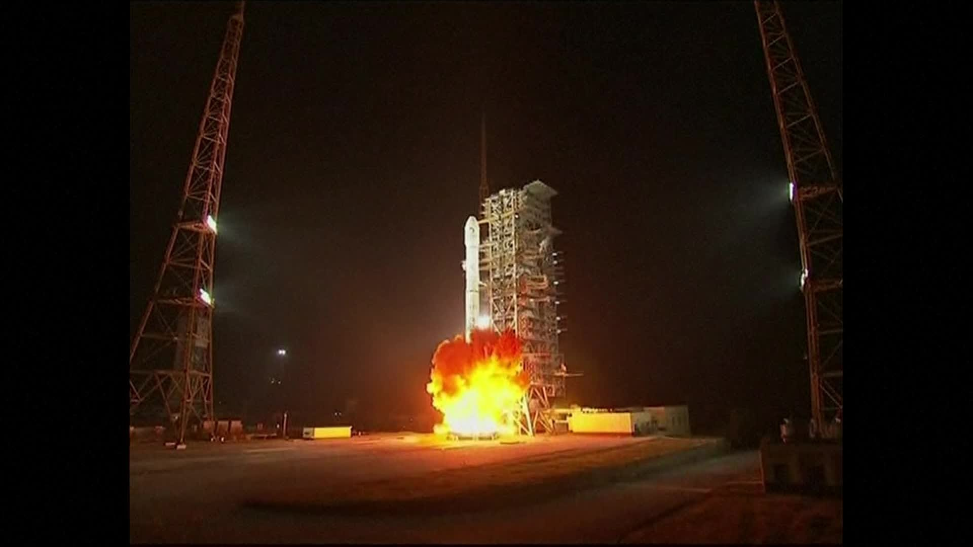 China to open moon exploration program to private firms