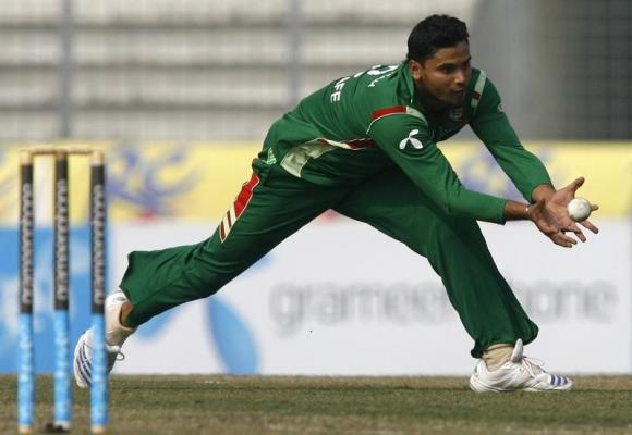 Bangladesh's Mortaza likely to miss New Zealand match after fine