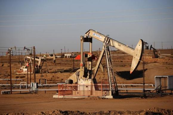 US crude prices to drop to $40 a barrel as inventories rise