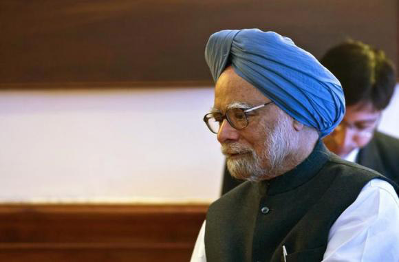 Court summons India's ex-PM Singh in coal corruption case