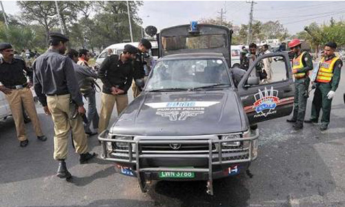 Attack on police van: Three terrorists killed, SI injured in Karachi