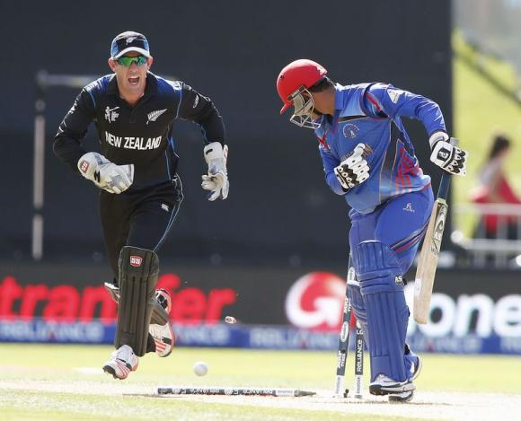 New Zealand beat Afghanistan by six wickets, Vettori takes 300th wicket