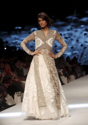 A model presents creations by Pakistani designers Nida Azwer during Fashion Pakistan Week (FPW) in Karachi March 31, 2015. Reuters