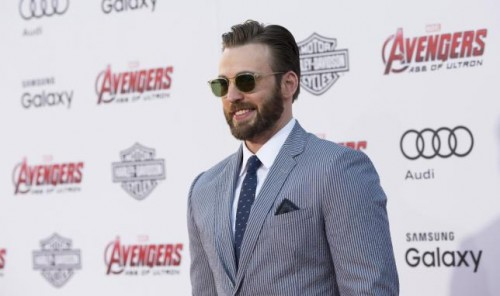 Cast member Chris Evans poses at the premiere of 'Avengers: Age of Ultron' at Dolby theatre in Hollywood, California April 13, 2015.