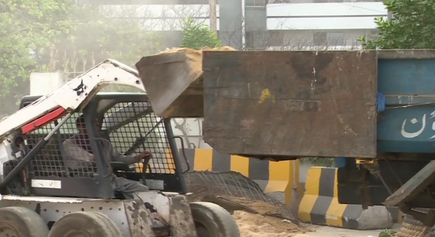 Barricades removed around Bilawal House in Karachi