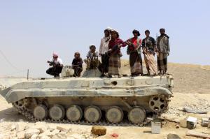 Houthis make gains in Yemen's Aden, approach port