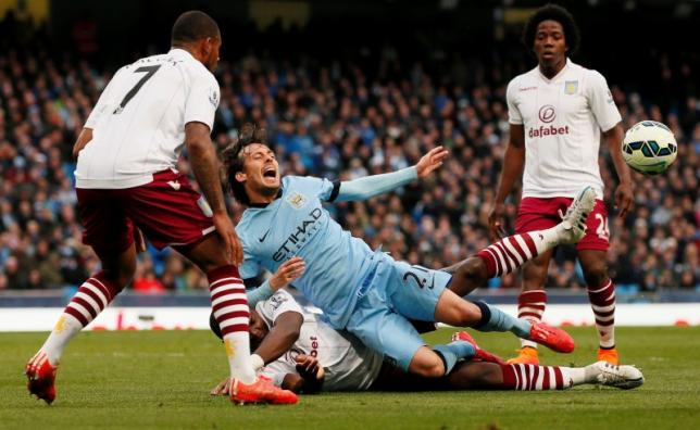 Leicester keep up Houdini-style escape, Man City win