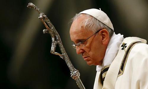 Pope tells Catholics at Easter vigil: seek truth, beauty and love