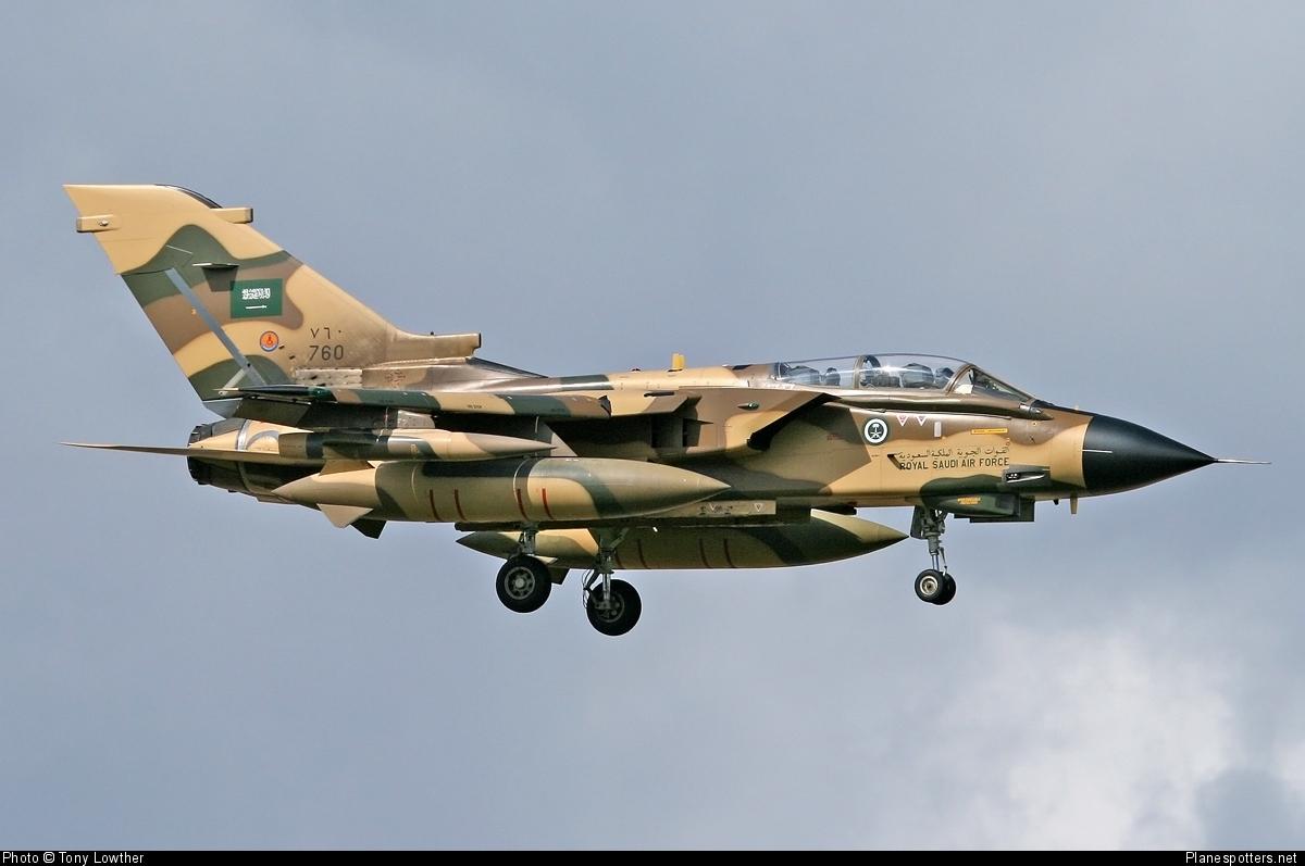 Warplanes hit Yemen's Sanaa overnight, clashes in Mukalla