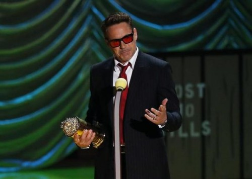 Actor Robert Downey Jr. accepts the MTV Generation Award during the 2015 MTV Movie Awards in Los Angeles, California April 12, 2015.