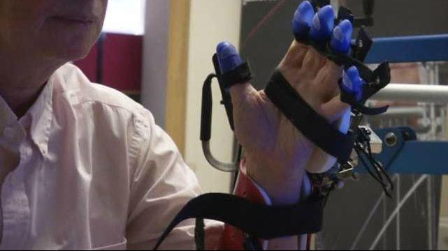 Robotic glove could help stroke survivors