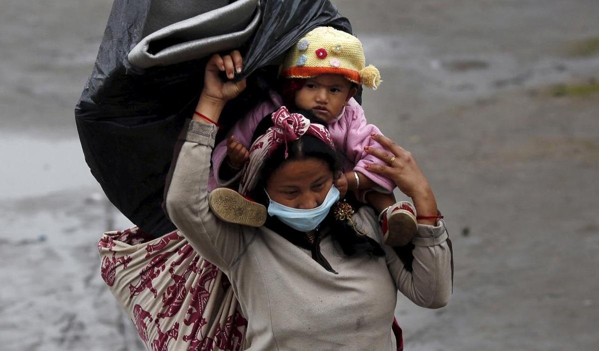 Rain hampers Nepal rescue teams as toll crosses 5,500-mark