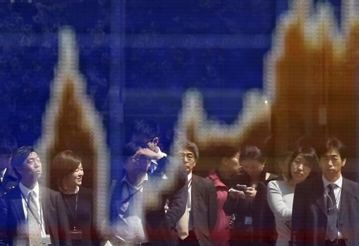 Asian stocks sag, dollar falls vs yen as Nikkei recoils