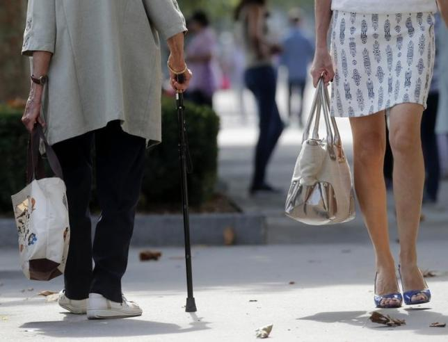 For some elderly, unclogging leg arteries doesn't improve mobility