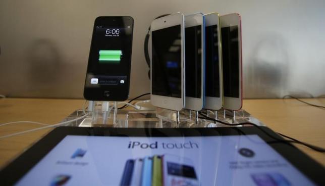 EU regulators probe Apple's music streaming plans in Europe
