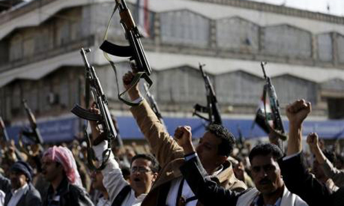 Yemen Houthi fighters backed by tanks reach central Aden