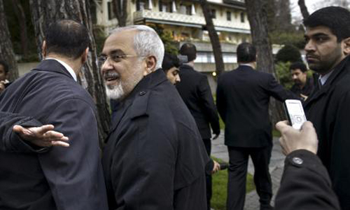 Iran talks stretch into another day; deal seen close but elusive