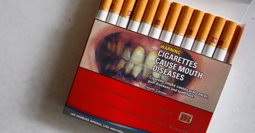 Cigarette warnings on packages work better with pictures
