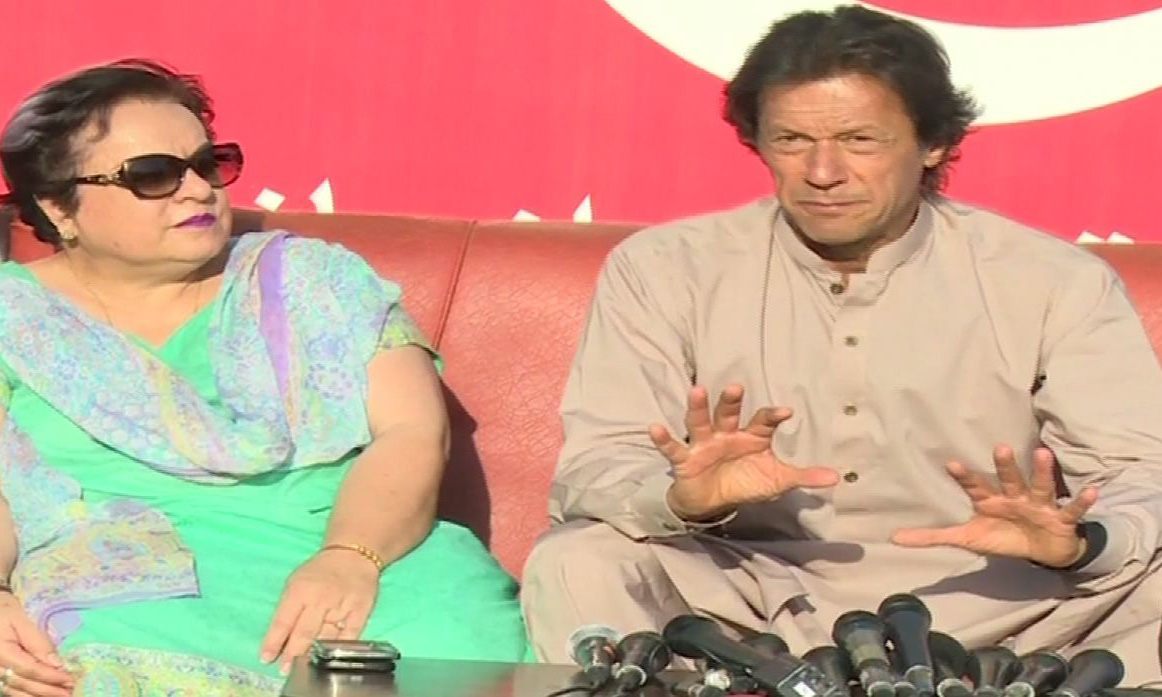 PTI chairman Imran Khan alleges NAB protecting corruption of Nawaz Sharif, Asif Zardari