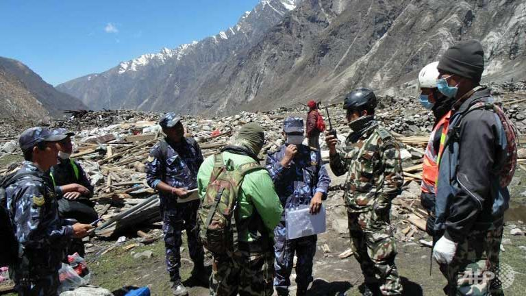 Rescuers step up hunt for bodies in quake-hit Nepal trekking village