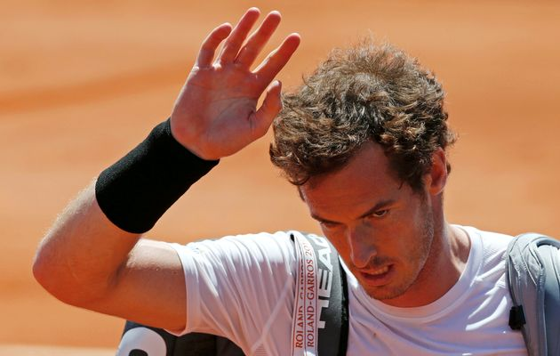 Murray's honeymoon on clay ended by Djokovic
