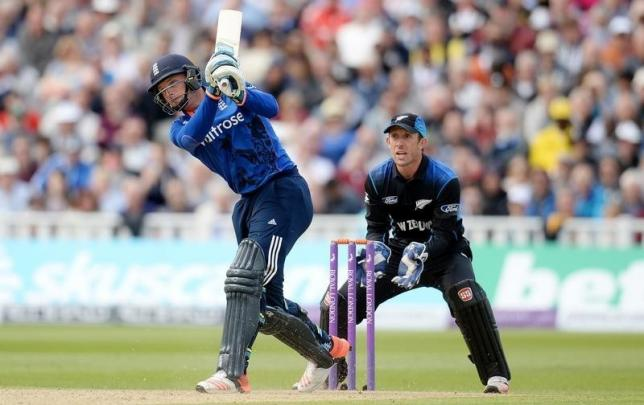 Buttler, Root lead England rout of New Zealand