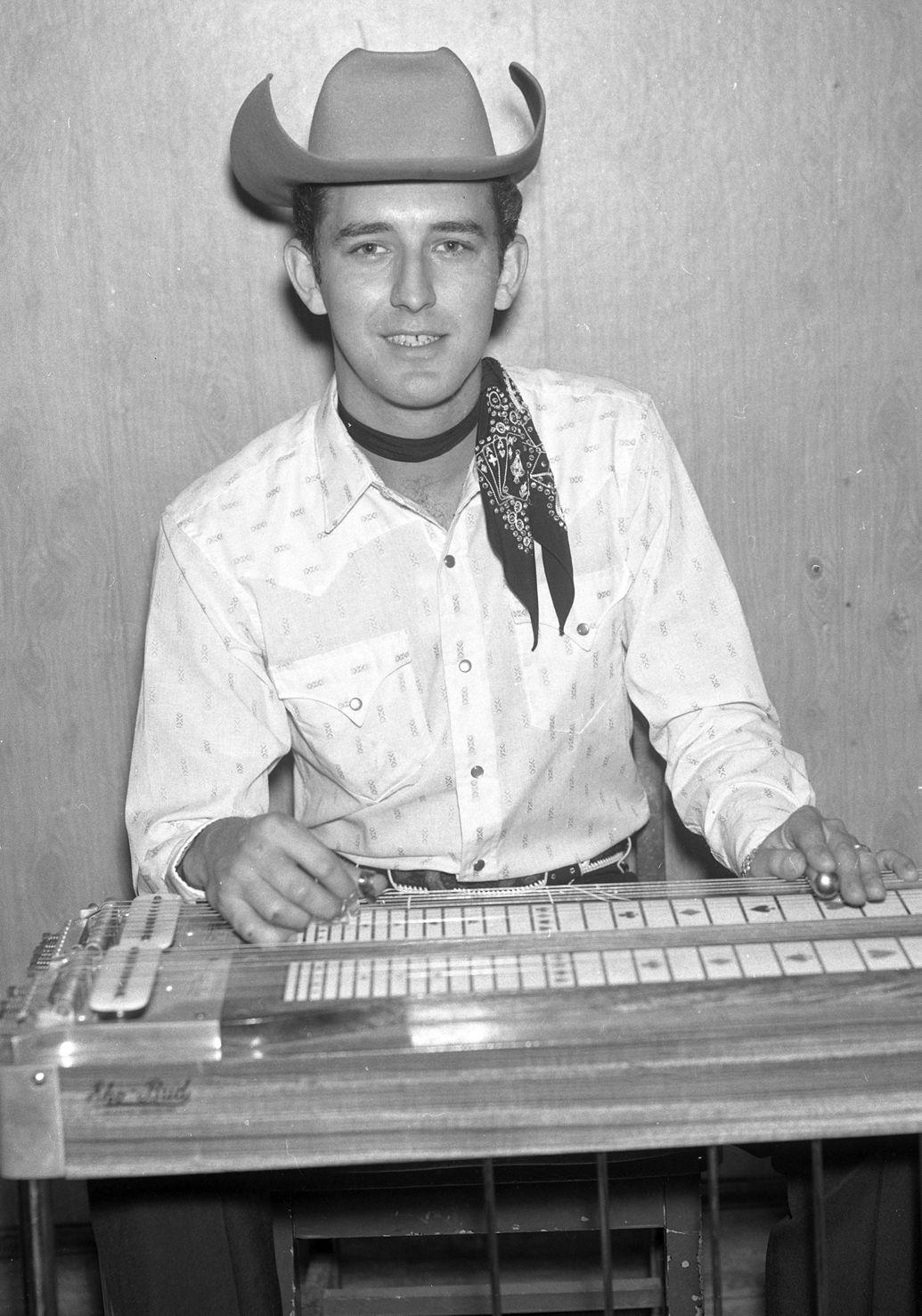 Influential pedal steel guitarist Buddy Emmons dies at 78