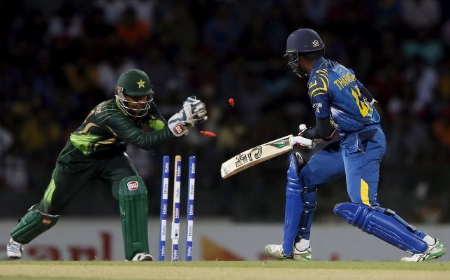 Pakistan crush Sri Lanka to go 2-1 up in series