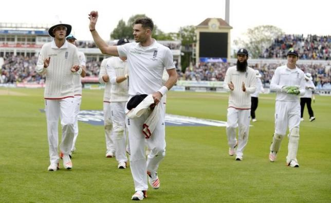 Anderson takes six to put England in command in third Test