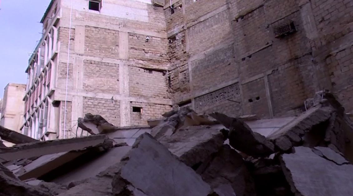 Five-storey building collapses in Karachi; Government had already ordered evacuation