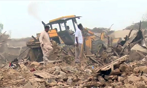 500 houses demolished; two ACs among several injured in Sector I-11 operation