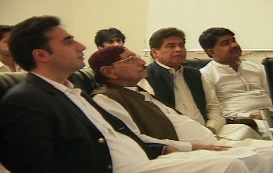 Bilawal, Qaim, Khurshid visit flood-hit areas in Sindh