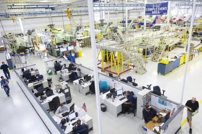 US factory orders rebound on strong demand for aircraft