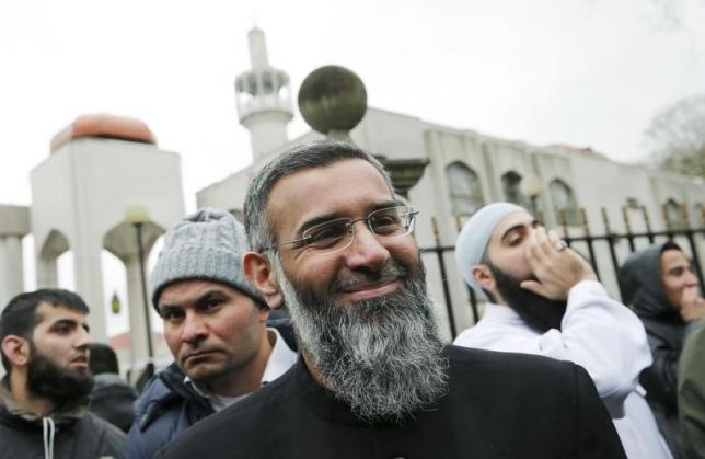 Anjum Chaudhry, Britain's most high-profile Islamist cleric, charged with IS support