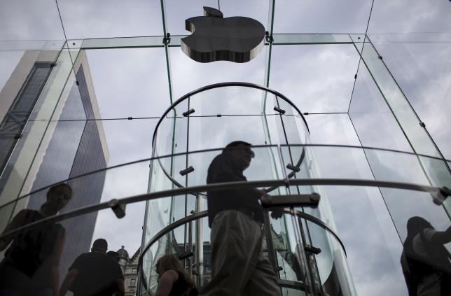 Apple to delay live TV service to next year: Bloomberg