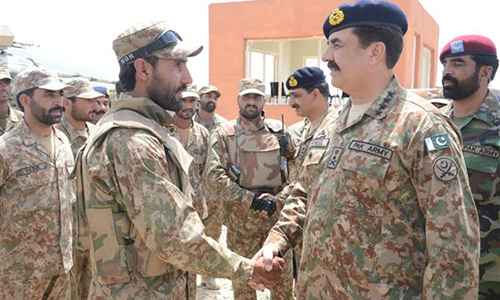 COAS General Raheel Sharif asks commanders to cut off terrorists from their friends, outside support