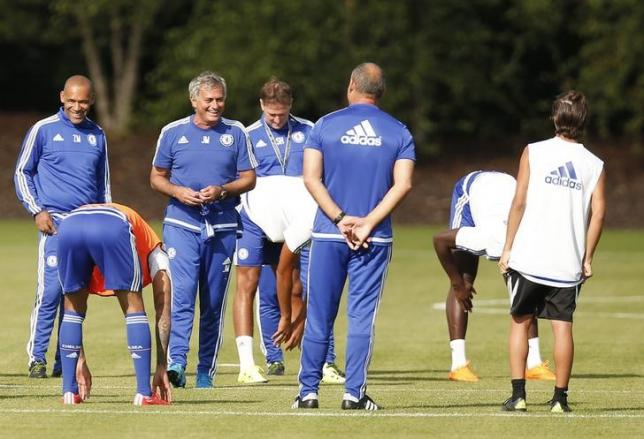 Chelsea must be more unpredictable, says Mourinho