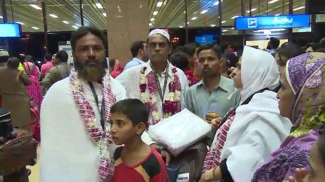 Pakistan starts Hajj 2015 operation today, three flights leave for Saudi Arabia from Karachi