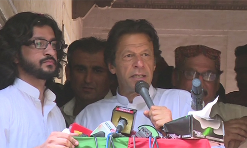 Imran Khan says Sharif brothers spent Rs 1.5b on Metro, but didn't build dykes
