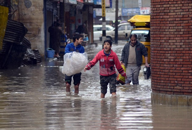Heavy rains in east Indian state disrupt daily life