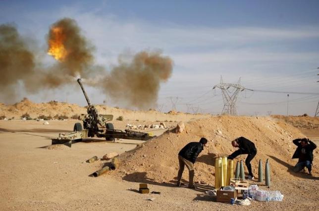 Libya's government urges Arab air strikes against Islamic State in Sirte