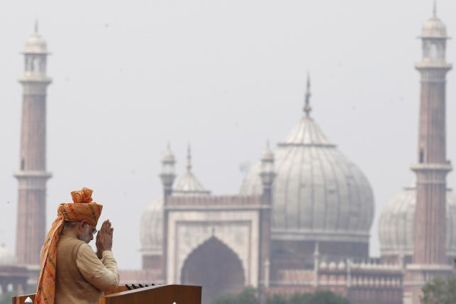 Modi says pro-poor, stays quiet on big business in key address