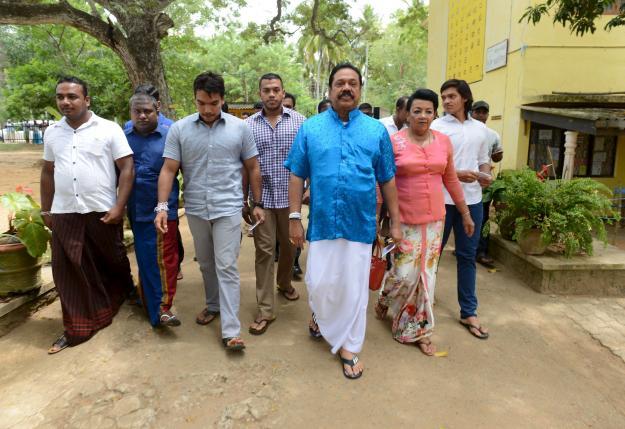 Early results in Sri Lanka vote show Rajapaksa falling short