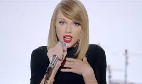 Taylor Swift in China - will she shake off '1989' from her clothing brand?