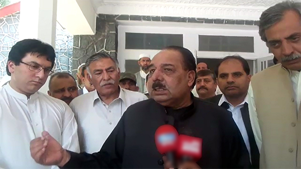 AJK government sacks two MQM ministers over Altaf Hussain's anti-Pakistan remarks